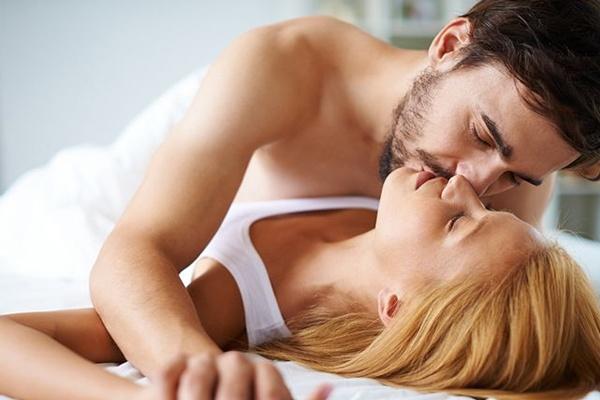 15-Secret-Tips-to-Satisfy-Women-in-Bed